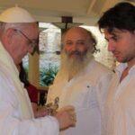 Asesor del Papa defiende autenticidad del rosario entregado a Lula en prisión
