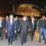 Kim Jong-un sale de turismo nocturno y se toma selfies con canciller de Singapur (VIDEO)