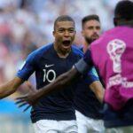 "Rusia 2018: Prensa francesa destaca que Francia, ""monumental"", castigó a Argentina"