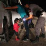 Foto de niña inmigrante llevada a portada de Time genera debate