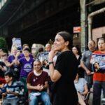 Una joven de origen latino sorprendió al ganar las primarias demócratas de Nueva York