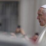 Papa pide destruir el muro cómplice que agrava el desamparo de migrantes