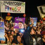 Una coalición ciudadana se moviliza en París en favor de Gustavo Petro
