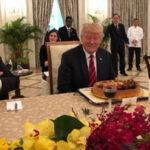 Singapur: Autoridades adelantan la torta de cumpleaños al presidente Donald Trump