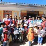 Ministerio de la Mujer brinda ropa de abrigo en distrito ayacuchano de Vinchos