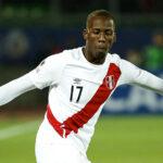 """Luis Advíncula, el """"Bolt"""" del fútbol para el Rayo Vallecano"""