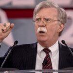 """EEUU insiste en que Irán """"pagará un precio sin precedentes"""" si actúa mal"""