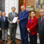 Martín Vizcarra recibió informe de Reforma del Sistema de Justicia