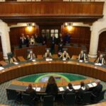 Reino Unido: Por acuerdo médicos-familiares pacientes podrán ser desconectados