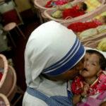 India: Ordenan investigar los hospicios de la Madre Teresa por presunta venta de bebés
