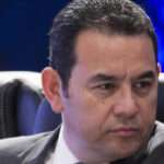 Guatemala: Ex canciller acusa al presidente Jimmy Morales de violar a una docena de mujeres