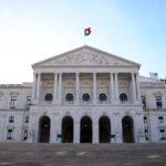 El Parlamento portugués debate el cambio de sexo en el registro civil