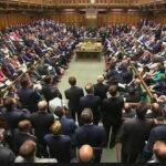Reino Unido: Comité del Parlamento pide regular redes sociales para evitar noticias falsas