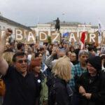 Polonia desafía a la Comisión Europea y continúa con su polémica reforma de la Justicia (VIDEO)