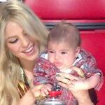 Shakira difunde fotos con su hijo recién nacido en el hospital de Milan (VIDEO)