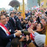 Vizcarra recibió respaldo popular tras desfile cívico militar (FOTOS)