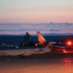 EEUU: Trabajador de aerolínea roba un avión y se estrella poco después