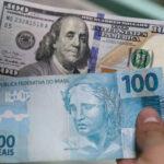 El dólar pierde valor ante el euro y la mayoría de las divisas destacadas