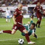 Iniesta se estrena como goleador en Japón a lo grande (video)