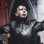 EEUU: Cantante rockero Marilyn Manson se desmayó en pleno show por golpe de calor (VIDEO)