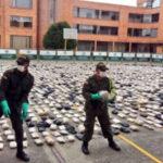 Colombia: Hallan dos toneladas de marihuana en camión destrozado que cayó al abismo