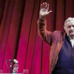 Uruguay: José Mujica oficializórenuncia a su cargo de senador por motivos personales
