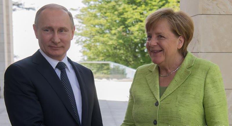 Putin y Merkel defienden megaproyecto conjunto frente a sanciones estadounidenses