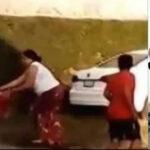 México: Mujer enfurecida prende fuego a esposo en venganza por abuso sexual al hijo de ambos (VIDEO)