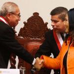 Daniel Salaverry entregó a Fiscalía el sobre que envió Keiko Fujimori a Pedro Chávarry