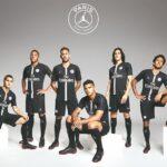 PSG presentan nueva camiseta para la Champions