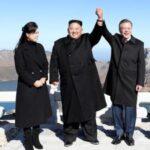 Moon califica de éxito la cumbre y dice que tiene mensaje de Kim para Trump