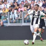 Cristiano Ronaldo marca doblete y mantiene al Juventus en la punta