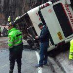Al menos 5 muertos y 40 heridos deja accidente de autobús en sierra de Lima