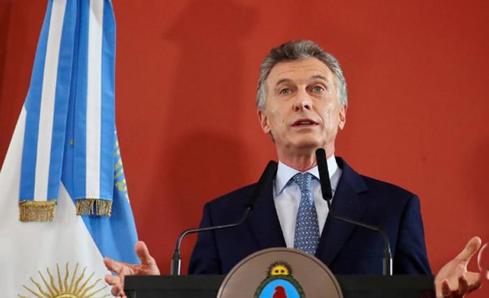 Macri lamenta aumento de la pobreza y reconoce que vienen meses difíciles