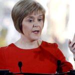 Sturgeon dice que May hará gran daño al país si mantiene su plan del brexit