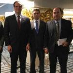 Opositores venezolanos abordan la crisis de su país con el consejero de seguridad de la Casa Blanca