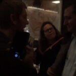 Manifestantes se enfrentan a senador Ted Cruz en restaurante de Washington (video)