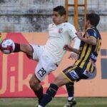 Universitario vence 2-0 Sport Rosario y se aleja del problema del descenso