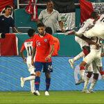 Perú golea 3-0 a Chile con doblete de Pedro Aquino en el 'Clásico del Pacífico'