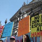 "Multitudinaria protesta ante Congreso argentino dice ""no"" a presupuesto 2019"