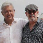 Trovador cubano Silvio Rodríguez en investidura de mexicano López Obrador