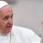 Papa dice que sembrar odio y violencia es el suicidio de la humanidad