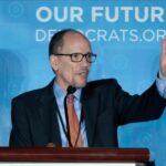 Demócratas tachan de inconstitucional propuesta de Trump sobre ciudadanía