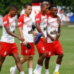 Ricardo Gareca prueba el once contra Ecuador con Benavente, Ruidíaz y Polo