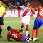 Perú cae 3-2 con mucha bronca ante Costa Rica con arbitraje desastroso