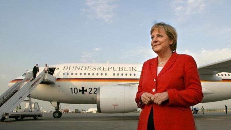 Regresó a Alemania el avión que traía a Merkel - Política