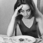 Vigilar crecimiento y peso de niñas es básico para evitar anorexia y obesidad