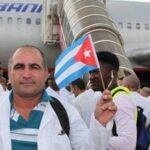 "Brasil: Cuba se retira de programa ""Más Médicos"" tras amenazas de Bolsonaro"