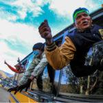México: Café Tacvba acompaña con música marcha de miles de migrantes hacia EEUU (VIDEO)