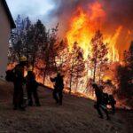 EEUU: Incendio crece rápidamente y ya hay 20,000 evacuados en el norte de California